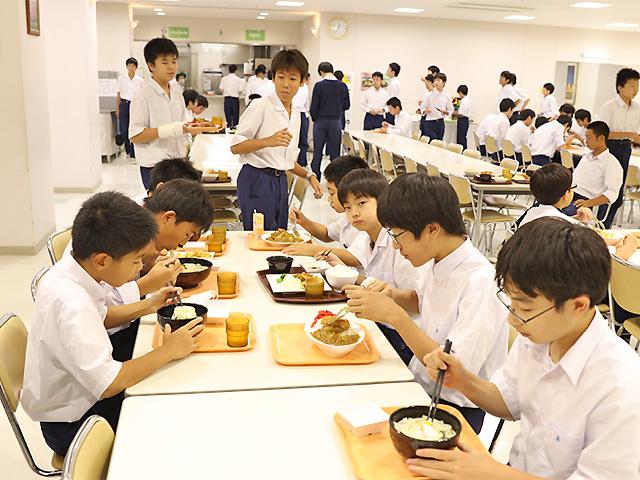 12:30 昼食/昼休み